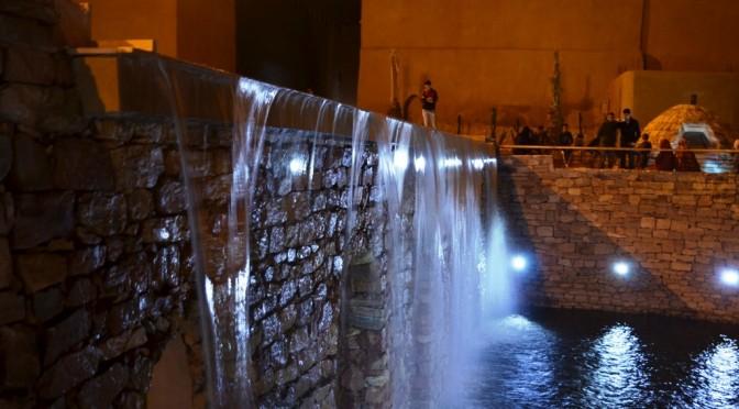 Images nocturnes de la source historique, Aïn Aqdim, de Tiznit.